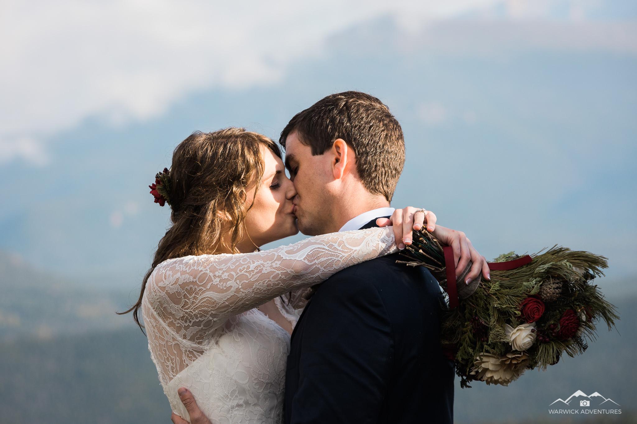 RMNP wedding elopement kissing couple